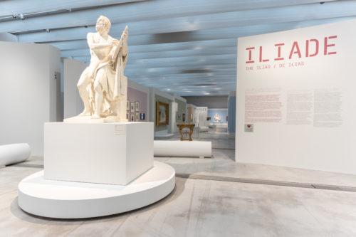 Une sculpture d'Homère ouvre les sections sur l'Iliade et l'Odyssée © Laurent Lamacz