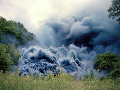 """Céleste, 2014, vidéo couleur Full HD, 5'55"""" ; ciel gris, fumée bleu ciel, Villa Médicis, Académie de France à Rome (pensionnaire 2013-2014)"""