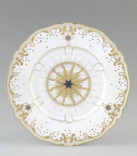 Assiette plate Pimprenelle, le premier service présidentiel © RMN-Grand Palais (Sèvres - Manufacture et musée nationaux) / Martine Beck-Coppola